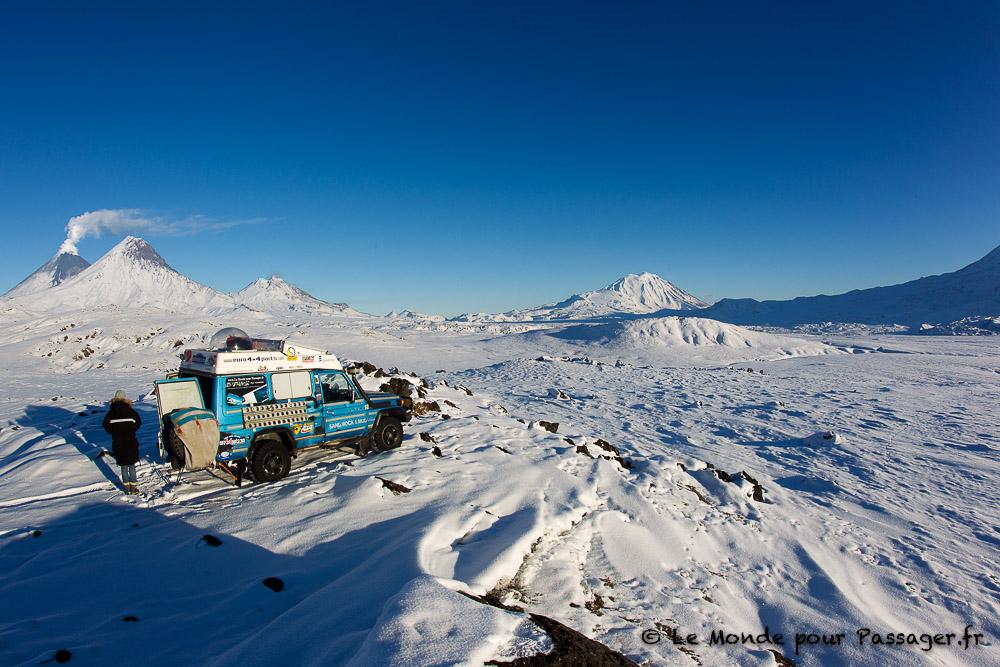 Les volcans du Kamtchatka en 4x4.